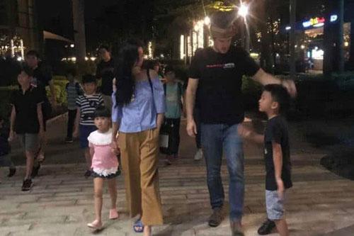 Chỉ với hành động này, Trương Bá Chi đã gián tiếp thừa nhận bé Marcus chính là con lai, netizen gọi tên người bạn trai ngoại quốc?