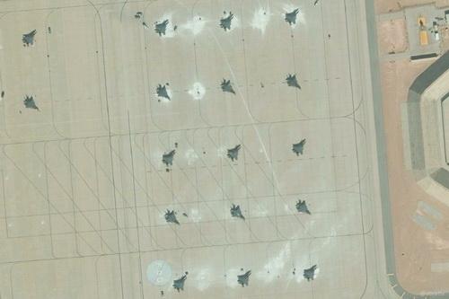 Máy bay chiến đấu F-15 của Mỹ tập trung tại căn cứ Prince Sultan trên đất Saudi Arabia. Ảnh: Avia.pro.