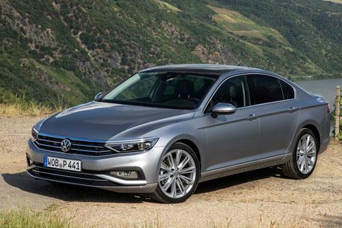 5. Volkswagen Passat (doanh số: 59.322 chiếc).