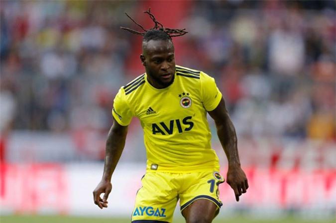 Moses sắp sang Inter