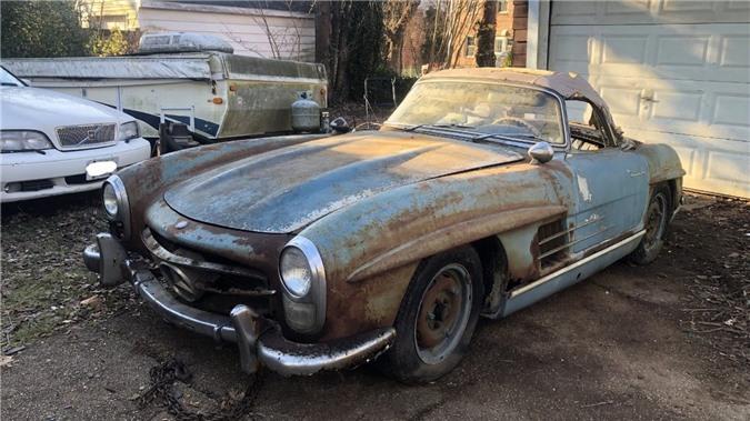 Xe cổ Mercedes-Benz 'đồng nát' giá gần 19 tỷ đồng