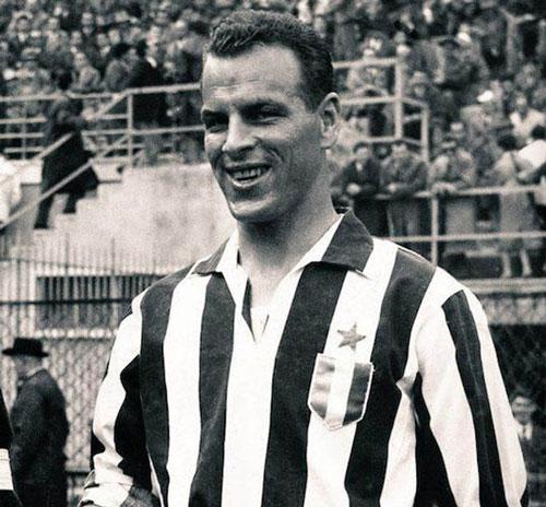 """Với chiều cao 1m88, Charles được mệnh danh là """"Người khổng lồ hiền lành"""" tại Juve."""