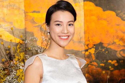 Hoàng Oanh ngày càng nhuận sắc trong thai kỳ nhưng lại gây chú ý bởi chi tiết nguy hiểm cho mẹ bầu
