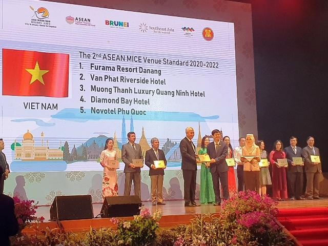 Mường Thanh Luxury Quảng Ninh nhận giải thưởng Asean Mice Venue award 2020