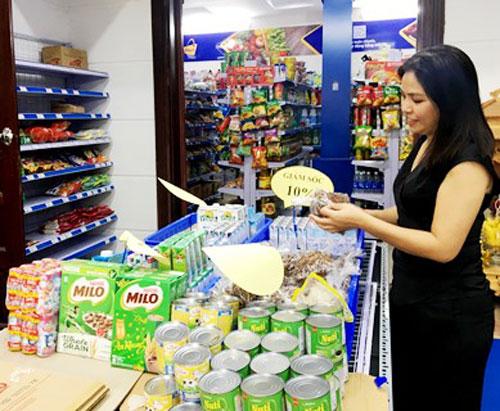 Thị trường hàng hóa cận tết: Không thiếu hàng, không tăng giá đột biến