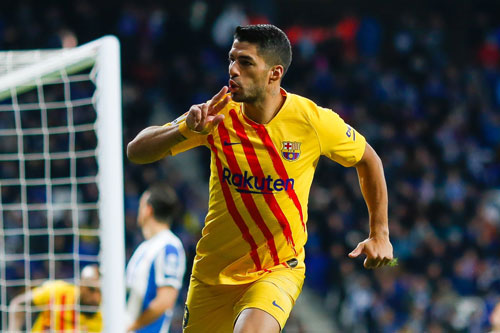3. Luis Suarez (mức lương: 290.000 bảng/tuần).