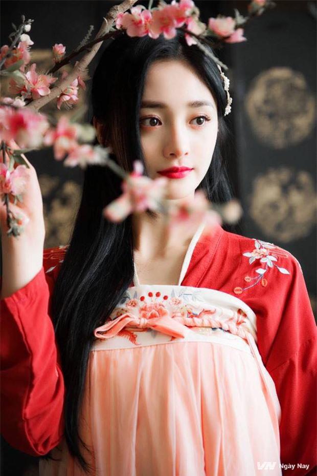 My nhan vo duyen nhat Trung Quoc tung bo anh co trang cuc cang-Hinh-8