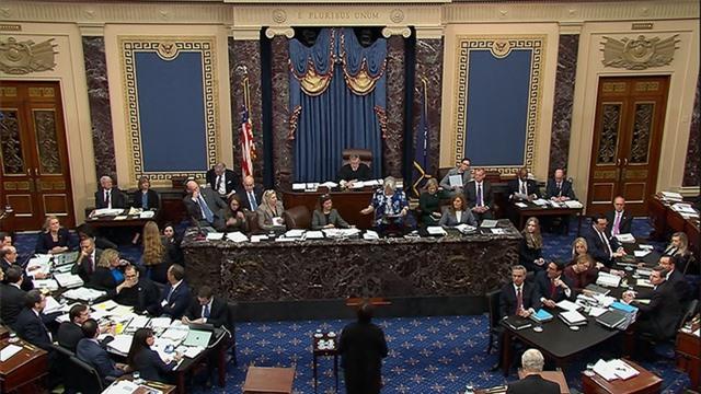 Tranh luận nảy lửa trong phiên xét xử Tổng thống Trump đầu tiên tại Thượng viện - 1
