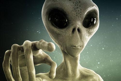 Trong những năm qua, hàng ngàn báo cáo UFO và người ngoài hành tinh được người dân gửi đến cơ quan chức năng. Đặc biệt, một số vụ tai nạn UFO được nhân chứng báo cáo xảy ra tại các địa điểm nổi tiếng như ở Roswell, Mỹ năm 1947 gây xôn xao dư luận.