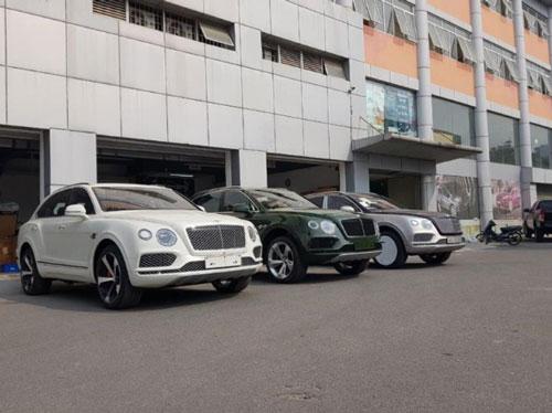 Lô xe Bentley Bentayga V8 chính hãng về Việt Nam.