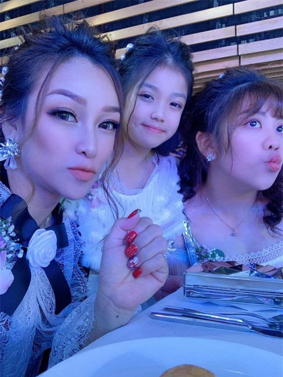 Bi hoi ve me ke, con gai Minh Nhua tra loi gay giat minh-Hinh-6