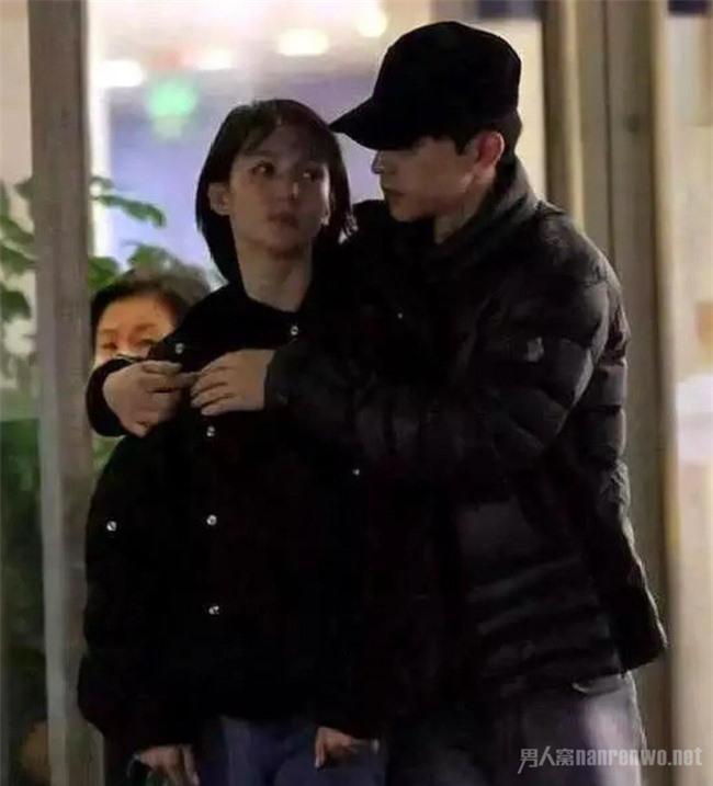 Kim Thần: Không có thành tích trong sự nghiệp, chỉ gây chú ý từ tin hẹn hò Đặng Luân, Giả Nãi Lượng và cháu trai Thành Long - Ảnh 4.