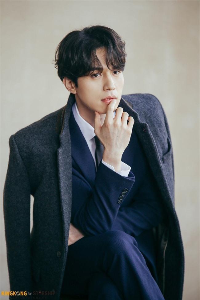 Lee Dong Wook sở hữu gen của người Siberia, hiếm tới mức chỉ 1% người Hàn có được bảo sao đẹp đến vậy - Ảnh 8.