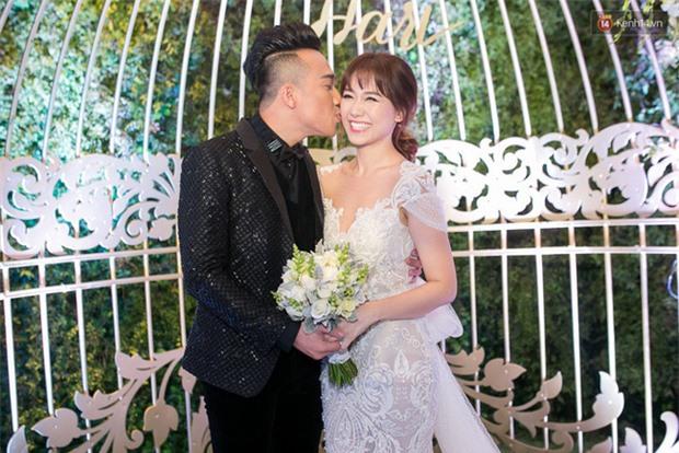 Cuối năm 2016, trải qua nhiều sóng gió, cả hai vẫn cùng nhau vượt qua tất cả cùng nhau, chính thức kết thúc chuỗi ngày độc thân bằng một đám cưới hoành tráng có sự góp mặt của nhiều nghệ sĩ nổi tiếng.