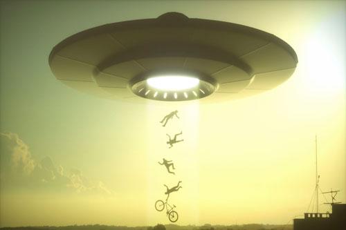 Không chỉ người dân bình thường, một số phi công thuộc Hải quân Mỹ từng nhìn thấy vật thể lạ nghi UFO khi làm nhiệm vụ. Điển hình là sự việc xảy ra vào tháng 11/2004.