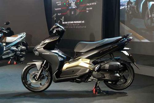 XE HOT (24/1): Bảng giá xe Honda Air Blade 2020 mới nhất, cận cảnh xe ga giá rẻ của Yamaha