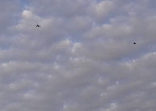 Trực thăng tấn công AH-64 Apache của Mỹ được nhìn thấy tại khu vực Đông Bắc Syria. Ảnh: Soufront.