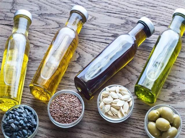 Cách chế biến phù hợp với từng loại dầu ăn để tránh rước chất độc vào người - 1