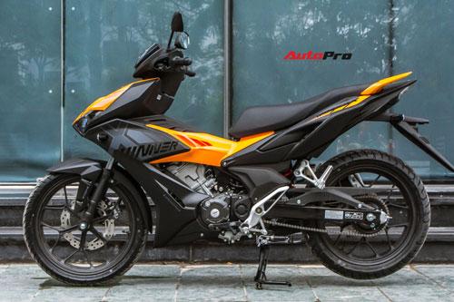 Honda Winner X màu đen cam. Ảnh: AutoPro.