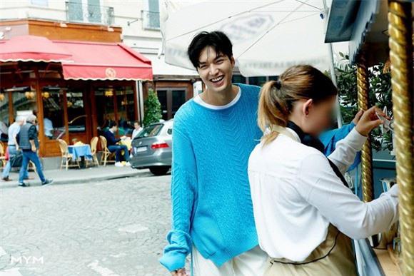 """""""Tết đến Xuân về"""", mỹ nam Lee Min Ho chiêu đãi người hâm mộ bằng loạt ảnh mới không thể quyến rũ hơn - Ảnh 3."""