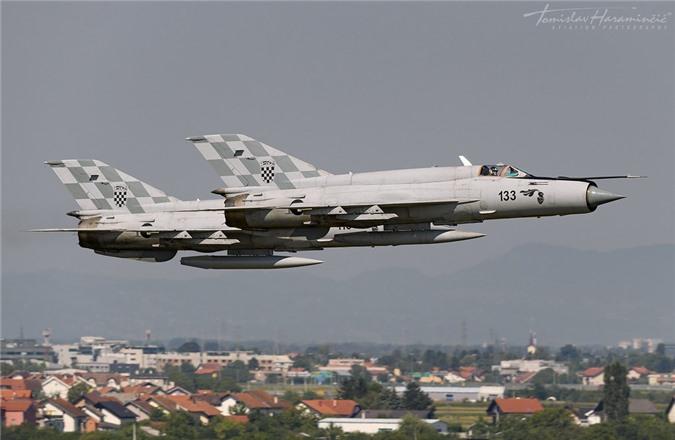 Viet Nam da bo tu lau, gio Croatia moi chiu thay tiem kich MiG-21-Hinh-5