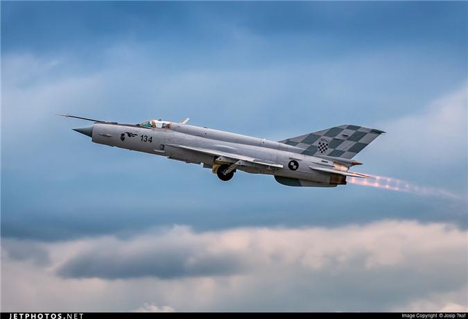 Viet Nam da bo tu lau, gio Croatia moi chiu thay tiem kich MiG-21-Hinh-6
