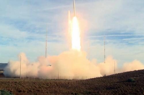 S-500 có thể bắn hạ hàng trăm mục tiêu cùng lúc thông qua đầu đạn hạt nhân