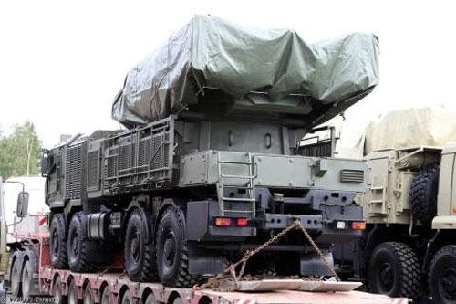 Nguồn tin quân sự Nga cho biết, sau khi lực lượng phòng thủ Nga cùng nhà sản xuất nghiên cứu thực tế chiến đấu trên chiến trường, đặc biệt là kinh nghiệm tác chiến tại Syria đã đi đến thống nhất sẽ trang bị cho phiên bản hệ thống phòng không tới 96 đạn tên lửa, bao gồm cả tên lửa đánh chặn siêu thanh.