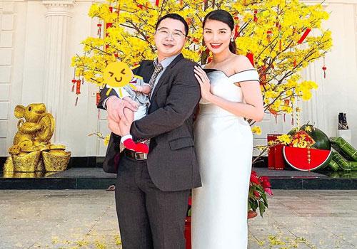 """Công khai mặt quý tử từ khi mới sinh, vợ chồng Lan Khuê lại làm điều """"ngược đời"""" này với cậu bé ngay ngày mồng 1"""