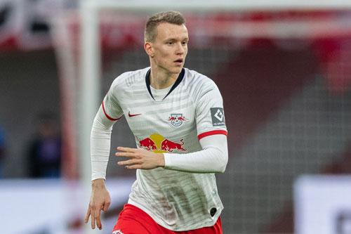 Hậu vệ phải: Lukas Klostermann (RB Leipzig, 1996).