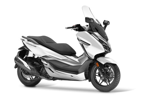 8. Honda Forza 300 2020 (giá: 5.999 euro).