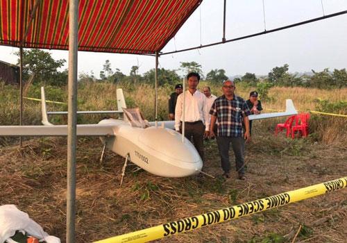 Truyền thông Campuchia vừa đăng tải một loạt những hình ảnh của một máy bay trinh sát không người lái với nhiều chữ Trung Quốc trên thân ở Ko Kong hôm 17/1. Nguồn ảnh: QQ.