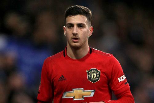 Hậu vệ phải: Diogo Dalot (M.U, 20 tuổi, giá trị chuyển nhượng: 20 triệu euro).