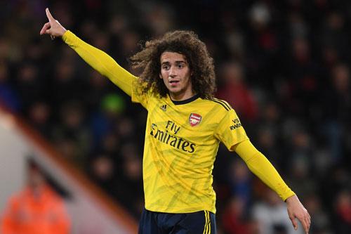 Tiền vệ trung tâm: Matteo Guendouzi (Arsenal, 20 tuổi, giá trị chuyển nhượng: 50 triệu euro).