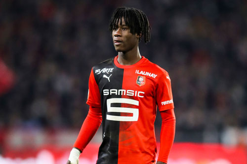 Tiền vệ trung tâm: Eduardo Camavinga (Stade Rennais, 17 tuổi, giá trị chuyển nhượng: 35 triệu euro).