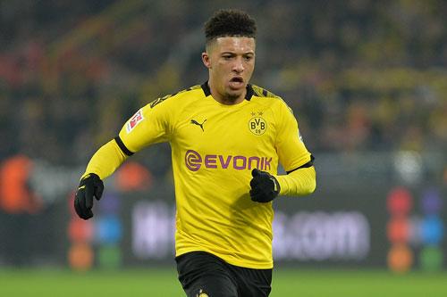 Tiền vệ phải: Jadon Sancho (Borussia Dortmund, 19 tuổi, giá trị chuyển nhượng: 120 triệu euro).