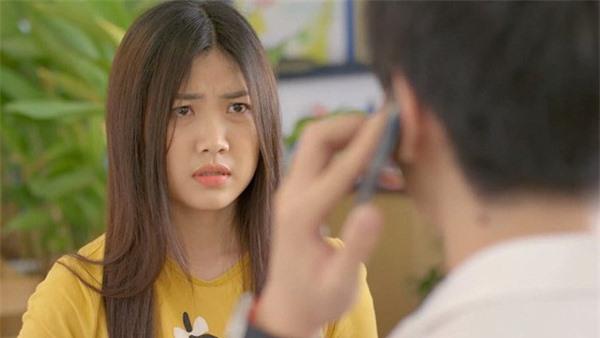 Người đẹp tuổi Tý xứ Thanh Hoa hồng trên ngực trái: Từ thủ khoa điện ảnh đến gái cướp chồng trơ trẽn trên phim  - Ảnh 2.