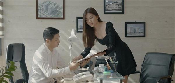 Người đẹp tuổi Tý xứ Thanh Hoa hồng trên ngực trái: Từ thủ khoa điện ảnh đến gái cướp chồng trơ trẽn trên phim  - Ảnh 4.