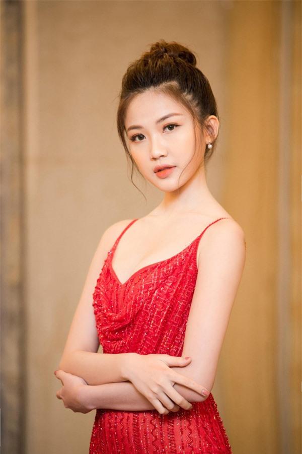 Người đẹp tuổi Tý xứ Thanh Hoa hồng trên ngực trái: Từ thủ khoa điện ảnh đến gái cướp chồng trơ trẽn trên phim  - Ảnh 5.