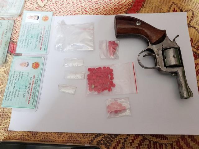 Thừa Thiên - Huế: Ngày Tết phá chuyên án, bắt nhiều ma túy và súng rulo