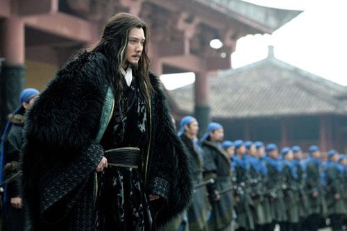 Tạo hình Hạng Vũ trong phim.