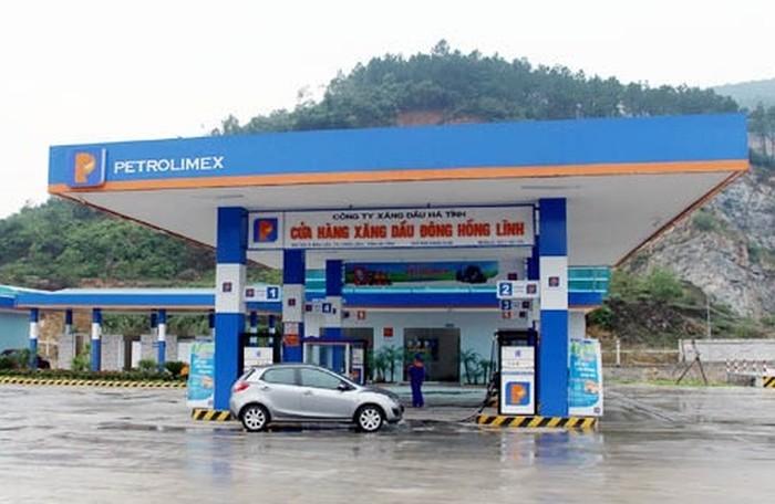 Cửa hàng xăng dầu của Petrolimex Hà Tĩnh tại Thị xã Hồng Lĩnh.
