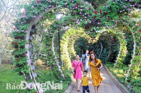 Khu du lịch Bửu Long (TP.Biên Hòa) là nơi thu hút nhiều du khách đến vui chơi nhất.