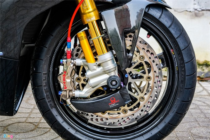 Ducati Panigale V4 voi goi do xe dua tien ty o Sai Gon-Hinh-10