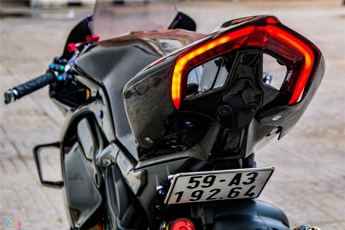 Ducati Panigale V4 voi goi do xe dua tien ty o Sai Gon-Hinh-11