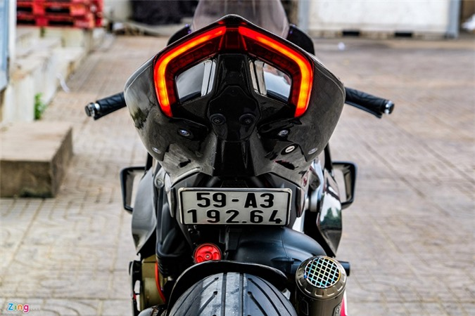 Ducati Panigale V4 voi goi do xe dua tien ty o Sai Gon-Hinh-3