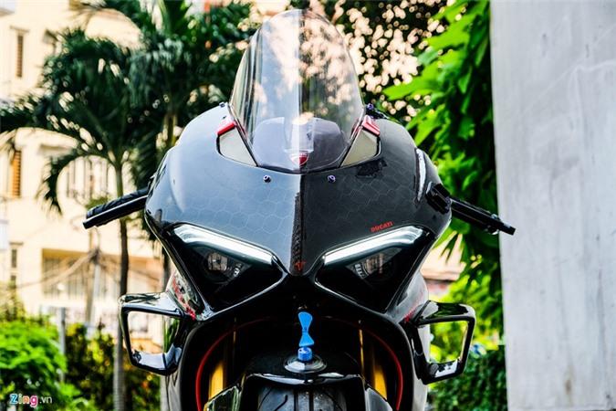 Ducati Panigale V4 voi goi do xe dua tien ty o Sai Gon-Hinh-9