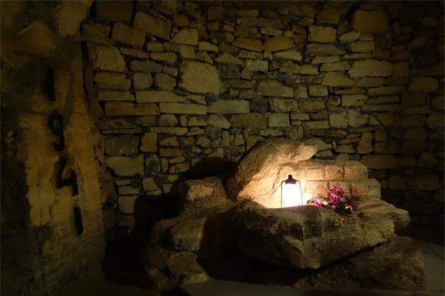 Hầm mộ Odessa: Lang thang trong mê cung địa đạo 2500km dưới lòng đất - Ảnh 1.