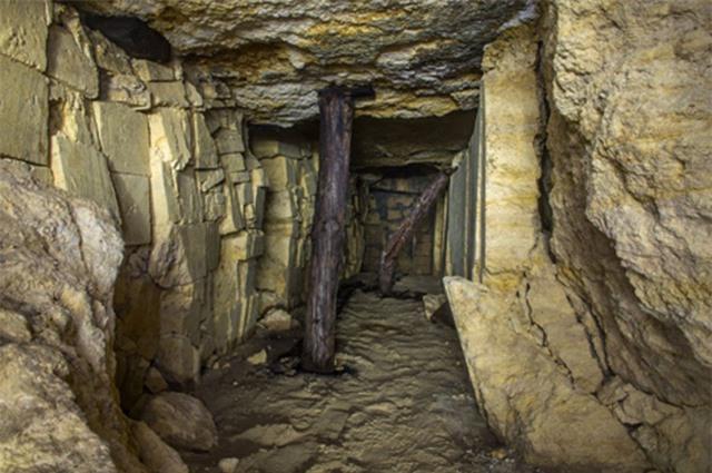 Hầm mộ Odessa: Lang thang trong mê cung địa đạo 2500km dưới lòng đất - Ảnh 2.