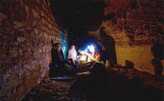 Hầm mộ Odessa: Lang thang trong mê cung địa đạo 2500km dưới lòng đất - Ảnh 5.